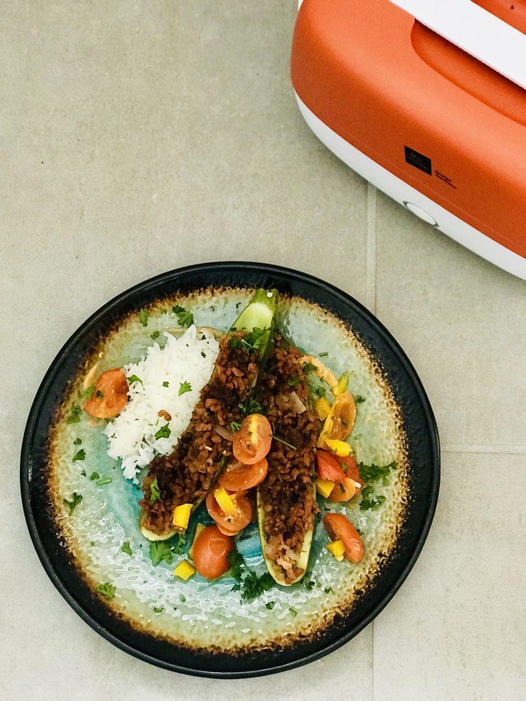 gefüllte Zucchini aus der Cookingbox, veganes Gericht für unterwegs von vegane Campingkueche - dein Foodblog für einfache und gesunde vegane Gerichte die schnell gekocht sind - auch unterwegs